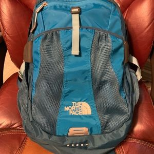 The North Face Recon Women's Backpack EUC Teal
